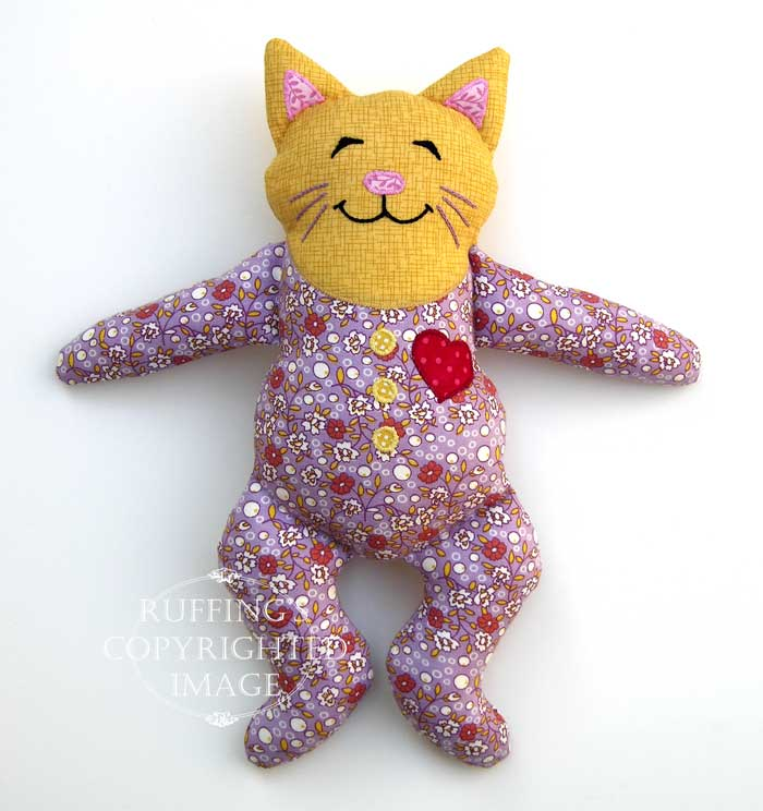 Huggy Kitty by Elizabeth Ruffing