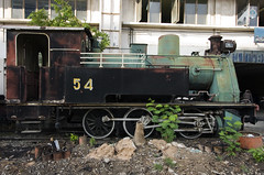 Train Graveyard in Bangkok. (Robin Thom) Tags: thailand bangkok trains z locomotives