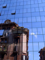 nuove aperture (Liakistan) Tags: italy rome roma italia pixel riflessi finestre curtainwall vianizza
