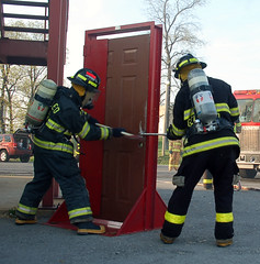 DSC_0010 (firephoto25) Tags: door training d50 fire nikon hemlock firefighters drill livonia irons geneseo livingstoncounty forcibleentry hamptonscorners