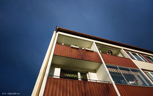 Linn on balcony - Sigma 10-20