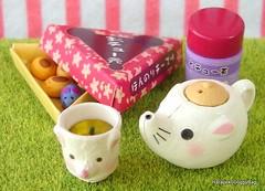 Re-ment / Rement : Japanese Dollhouse / Doll House Miniature Toys : Harapeko Animal Village #5 - Mouse Shaped Teapot / Green Tea / Teacup / Tea Canister / Manju / Japanese Confection (HarapekoDoggyBag) Tags: rement rementtoys dollhouse puchi mini miniature miniatures toys japanesetoys miniaturetoys miniaturefood miniatureteapot japan japanese kawaii cute harapekoanimalvillage animal mice mouse teapot japaneseconfection dessert manju greentea teacanister