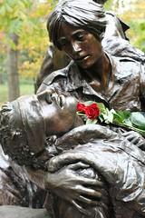 Nurse and soldier IMG_7336 (OZinOH) Tags: sculpture statue washingtondc dc washington nurse warmemorial vietnamveteransmemorial vietnamwar vietnamnursesmemorial xt050mm