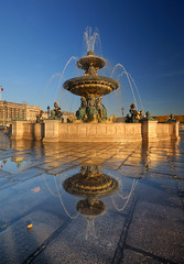 The Fountain Reflection HDR (David Giral | davidgiralphoto.com) Tags: light david paris france reflection water fountain golden nikon afternoon place sigma sunny poodle concorde d200 1020mm fontaine hdr giral sigma1020 nikond200 5xp tthdr copyrightdgiral davidgiral