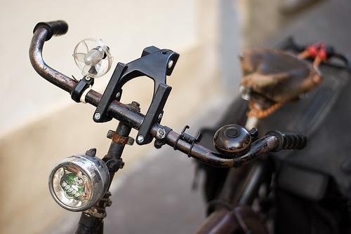 Retrofitted Bicycle / Biclou Modernisé