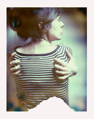Oh! To be held... (emilie79*) Tags: selfportrait back stripes polaroid340 iduvfilm