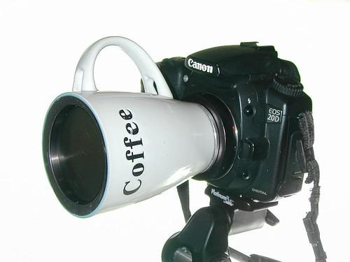 Coffee cup pinhole lens / paradefotos