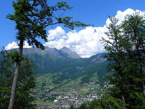 Ugine au pied du Mont Charvin - F. du bois 035.jpg