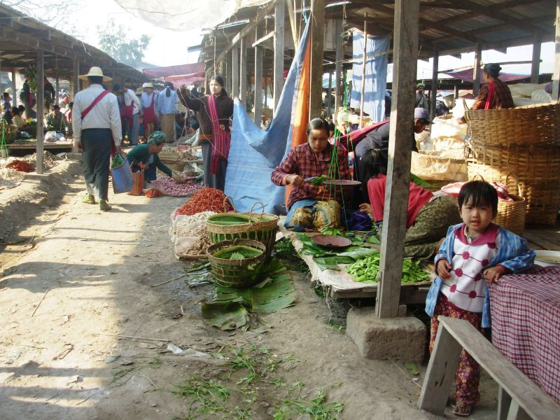 1Marché T-Inle (4)