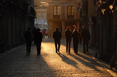 Nuestro oficio? Detener el tiempo / Our job? To stop the time (Miguel ngel Yuste) Tags: madrid christmas light sunset luz atardecer navidad time alcala tiempo alcaldehenares callemayor flickrelite miguelyuste