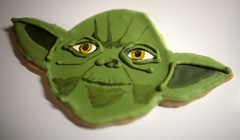 Yoda Cookie (Whipped Bakeshop) Tags: yoda cookie handpainted decorated painted green starwars jedi piped sweettreats whippedbakeshop zolukas zoelukas philadelphiacakescookiesandcupcakes bestofphilly2010
