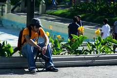 Chiripiorca... (Pankcho) Tags: plaza boy portrait sad retrato venezuela emo caracas triste thinking pank altamira chamo pensando reflexivo neddy intensidad chiripiorca pegado pankcho intensidá 365venezuela