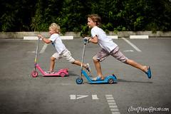 Brother Speed (AniSuperNova83) Tags: playing kids happy niños skate enjoying medellin jugando felices patineta alegres supernova83 anamariarincon anisupernova ciudaddelrio
