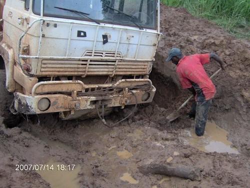 Truck Stuck Sam Ouandja 1