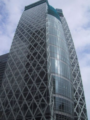 新宿に新築ビル