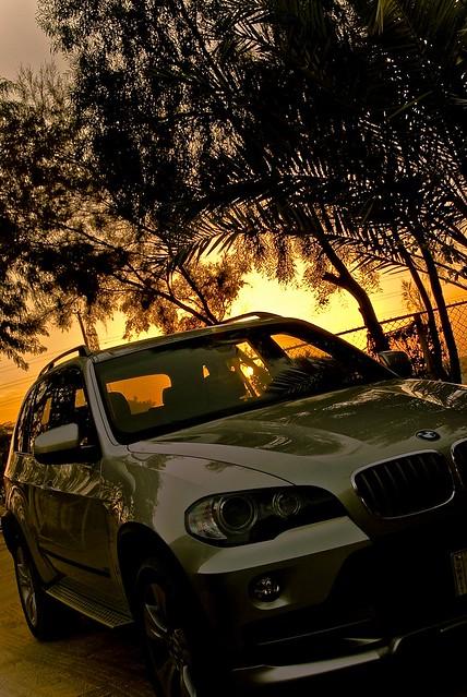 sunset sun cars car nikon bmw sliver kuwait bmwx5 hamad fahad x5 fourwheel bnaider ?????? ???? shalaih nikon18200mm d80 ??? fenyn ???????? ?????