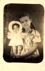 Monsita Bruno con Mariquita Perez 1940 Guayama (juliealicea1947) Tags: girl spain doll puertorico 1940s puertorican guayama mariquitaperez monsitabruno