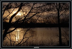 sunrise over leybourne lakes (stevekeat images best viewed large) Tags: uk fab england lake water sunrise landscape kent scenery view scene leybourne leybournelakes snodland larkfield diamondclassphotographer flickrdiamond natureunlimited eyeofthephotographer