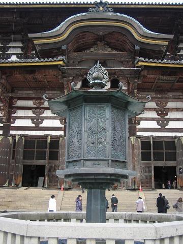 東大寺(大仏殿)-八角灯籠