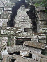 DSC02087 (Dont Open Until Dooms Day) Tags: cambodia khmer angkorwat preahkhan bayon angkorthom khmerart