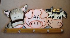 cabideiro cavalo porco vaca (Imer atelie) Tags: brasil minas artesanato amarelo cavalo parede pintura vaca mdf fazenda porco uberaba laço atelie dornelles imer cabideiro criaçao imeratelie