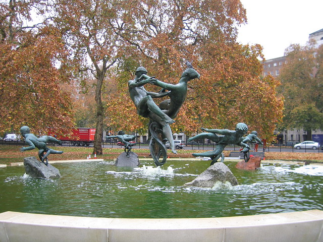 Hyde Park Fountain by JUDGE DREDD76