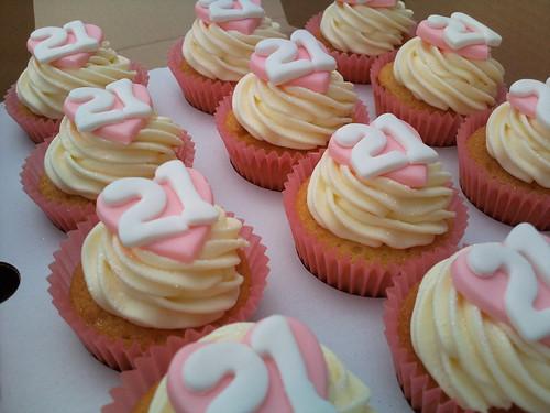 Super Vanilla 21St Birthday Cupcakes A Photo On Flickriver Birthday Cards Printable Inklcafe Filternl