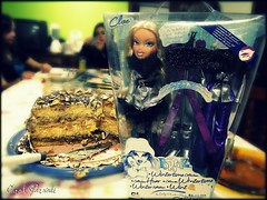 Patricia's box moment (Carol Parvati ™) Tags: doll collection wintertime patricia picnik bratz cloe carolparvati