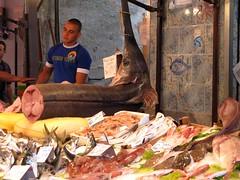 Il Capo (RoBeRtO!!!) Tags: street people food gente market sicily fishes palermo mercato cibo pesce ilcapo rdpic canong7