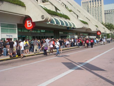 San Diego Comic Con in line