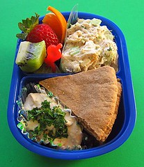 Hummus lunch for preschooler