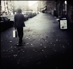 kassi - bag (sikaheimo) Tags: street autumn man leaves bag walking back leaf helsinki walk gloria braun