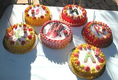 Buon compleanno Chiara! (Spuma) Tags: birthday cake sole chiara compleanno tavolo crema torta cioccolato luce panna nastri winx 15anni 6torte spumafiglia