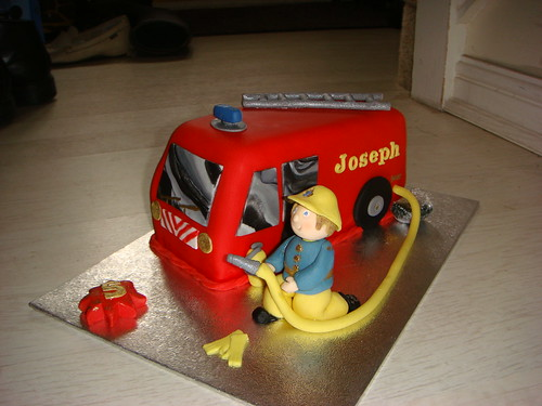 Fire engine cake 2 front