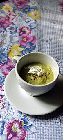 Crema di broccolo romano al cumino e caprino