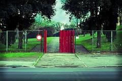 divietoRosso (willysaw) Tags: street roma 50mm lomo cancello saverio divieto canon400d willysaw saveriovillirillo 4elle villirillo effettiphotoshop scattodigitale