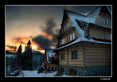 The highland house (Mariusz Petelicki) Tags: winter sunset poland polska zima tatry zachódsłońca tatramountains canon400d aplusphoto małeciche thehighlandhouse chatagóralska mariuszpetelicki