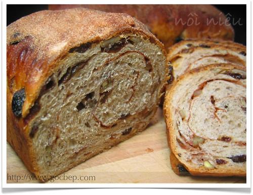 Cinnamon Raisin Pecan Bread