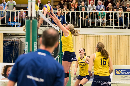 "3. Heimspiel vs. Volleyball-Team Hamburg • <a style=""font-size:0.8em;"" href=""http://www.flickr.com/photos/88608964@N07/32003261413/"" target=""_blank"">View on Flickr</a>"