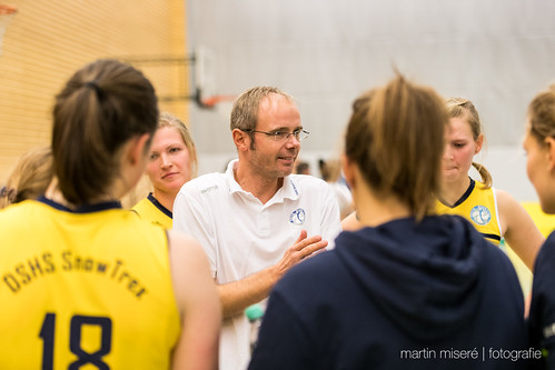 "3. Heimspiel vs. Volleyball-Team Hamburg • <a style=""font-size:0.8em;"" href=""http://www.flickr.com/photos/88608964@N07/32003261923/"" target=""_blank"">View on Flickr</a>"