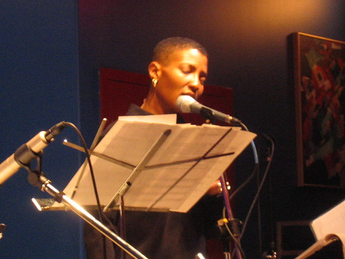 Duriel Harris performing