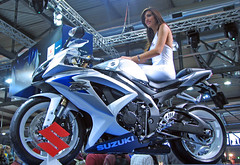 EICMA Show 07 - Suzuki GSX-R 600 (*Checco*) Tags: show milan girl model milano motorcycles bikes motorbike 600 moto motorcycle motor suzuki motorbikes bikeshow ragazza gsxr fiera modella eicma motociclo