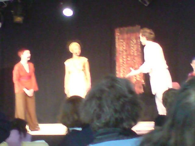 Three actors on a stage : Première de l'Opéra du désert par Duo Soma - Femme pour le dire femmes pour agir conference, Paris