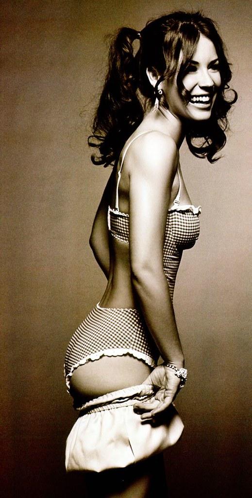 Lingerie underwear Evangeline Lilly LOST gingham bra panties