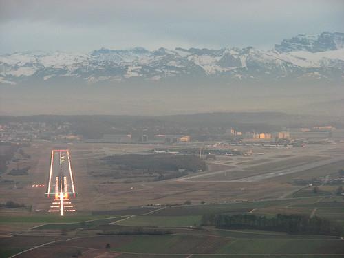 Approach to runway 14 @ Zurich