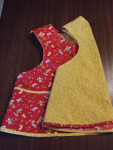 doll apron side/back