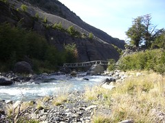 Torres del Paine - trek - riviere - pont