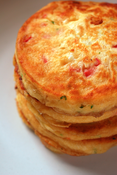 goat cheese and red capsicum pancakes ©
