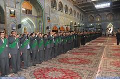 خدمة العتبة الحسينية المقدسة يلبون نشيد نداء العقيدة في الصحن الحسيني الشريف