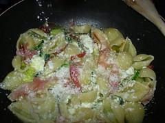 conchiglie ricotta zucchine e spek-15